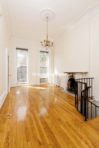 449 West 22nd Street Image #1