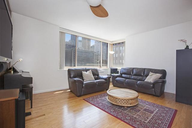 250 South End Avenue, Unit 14E Image #1