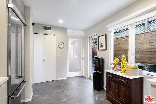 833 17th Street, Unit 5 Santa Monica, CA 90403