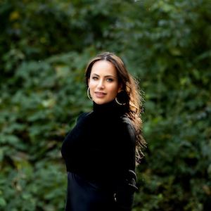 Daniella Leon,                       Agent in NYC - Compass