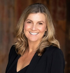 Nicole Reis, Agent in Los Angeles - Compass