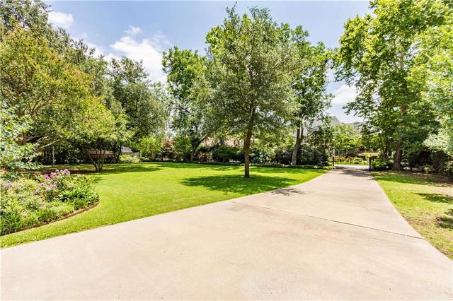 5820 Lupton Dallas, TX 75225