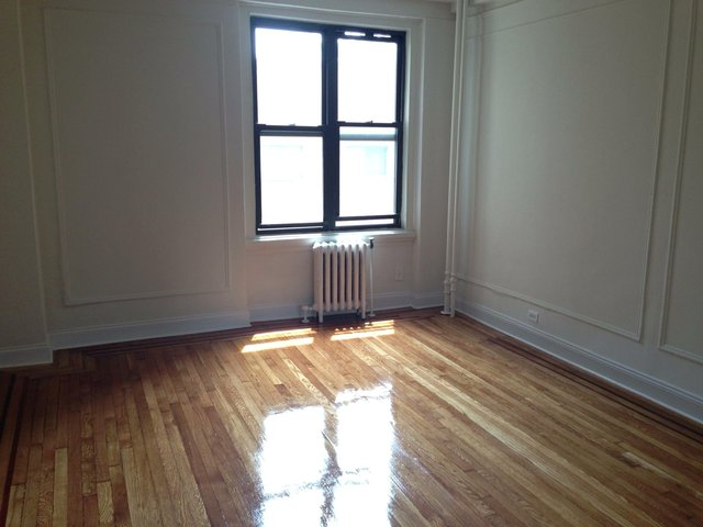 208 West 23rd Street, Unit 819 Image #1