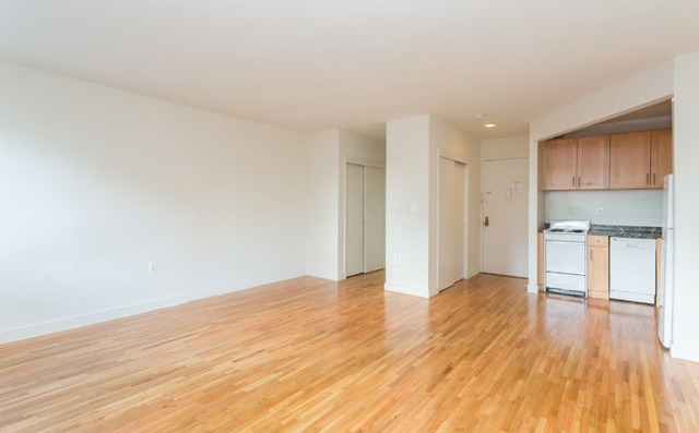 309 West 30th Street, Unit 7A Image #1