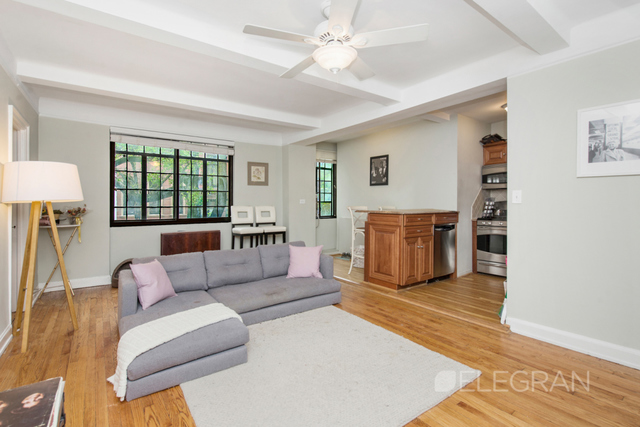 211 East 35th Street, Unit 2G Image #1