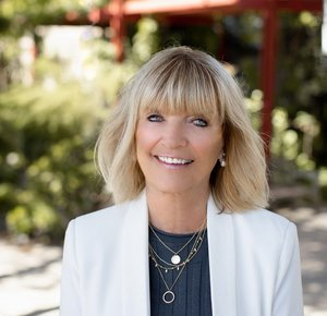 Susan Loban, Agent in San Diego - Compass