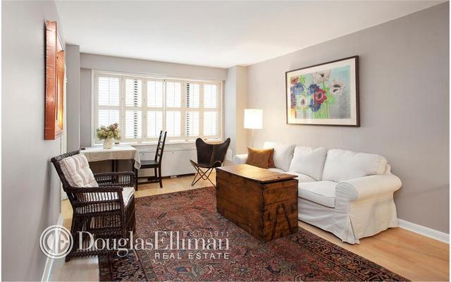 201 West 21st Street, Unit 4A Image #1