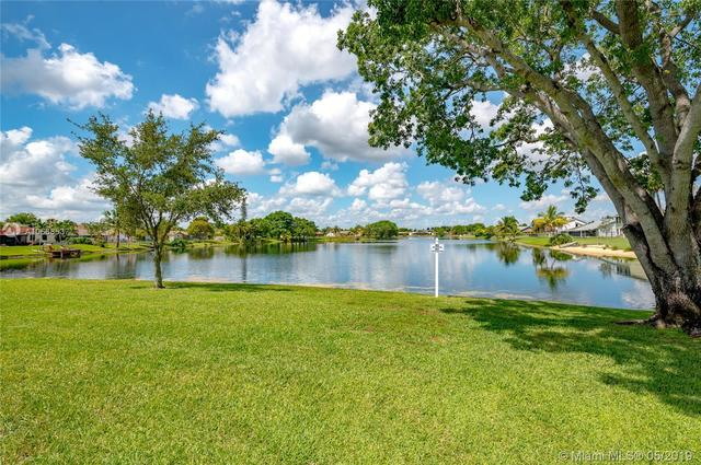 4807 Northwest 95th Avenue Sunrise, FL 33351
