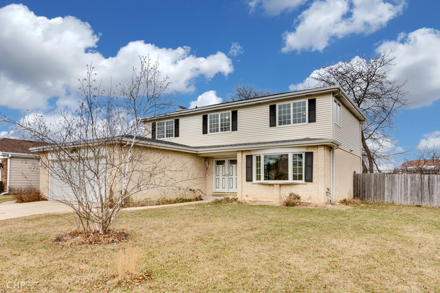 3858 La Fontaine Lane Glenview, IL 60025