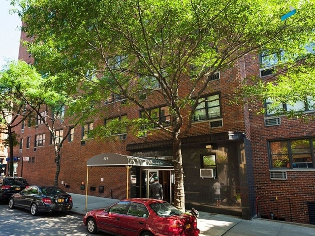 141 East 89th Street, Unit 5J Image #1