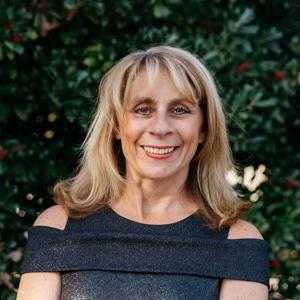 Lauren Moore,                       Agent in Dallas - Compass
