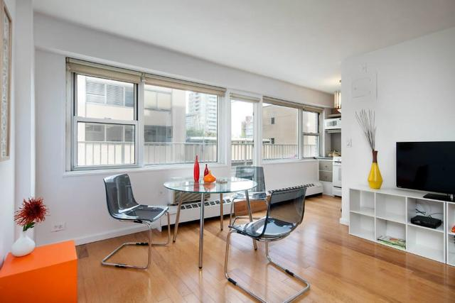 153 East 57th Street, Unit 18A Image #1