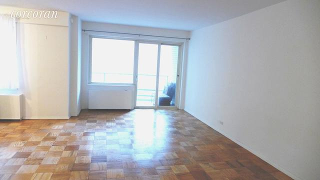 159 West 53rd Street, Unit 15C Image #1