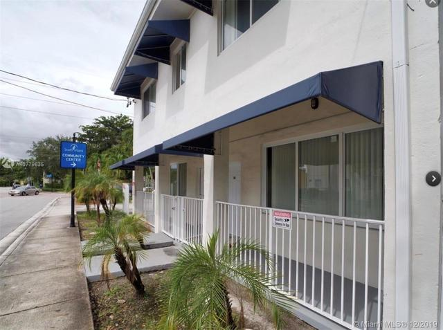 6647 Southwest 59th Place, Unit 201 South Miami, FL 33143