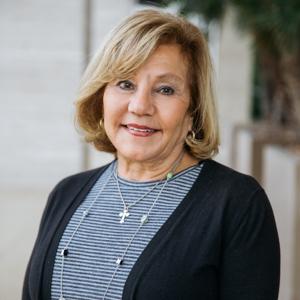 Gigi Thomas,                     Agent in Los Angeles - Compass