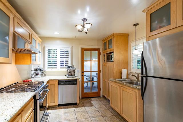 18280 Southview Avenue Los Gatos, CA 95033