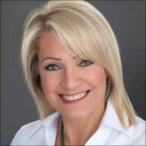 "Cathy ""CC"" Cascia,                       Agent in Chicago - Compass"