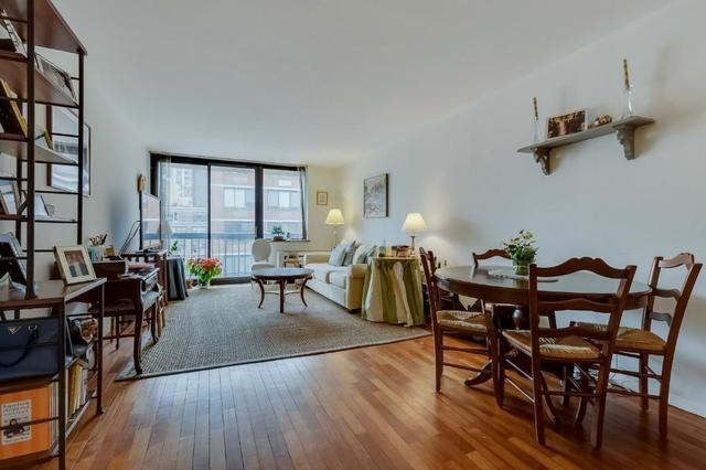 330 East 75th Street, Unit 11F Image #1