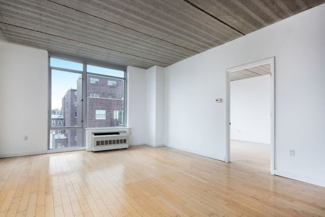 175 Spencer Street, Unit 4B Image #1