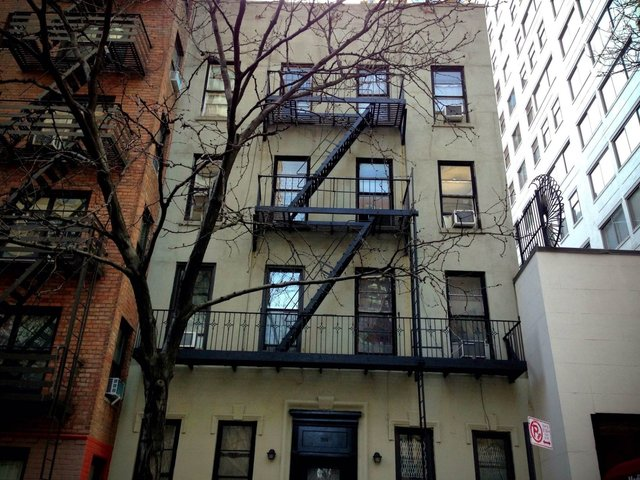 206 East 70th Street, Unit 1C Image #1