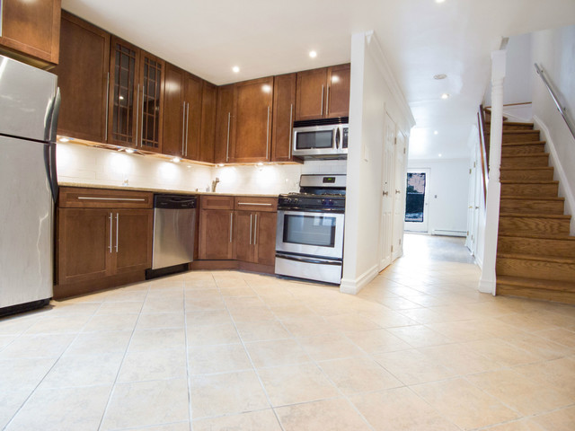 255 Clifton Place, Unit 1 Image #1
