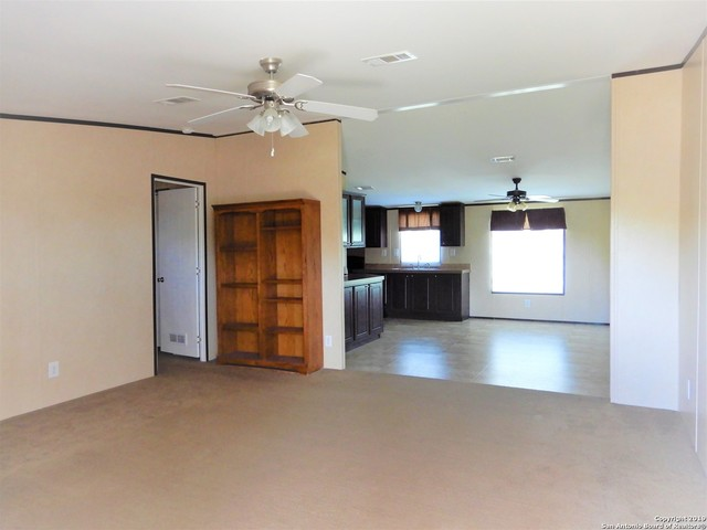 3193 County Road 107 Floresville, TX 78114