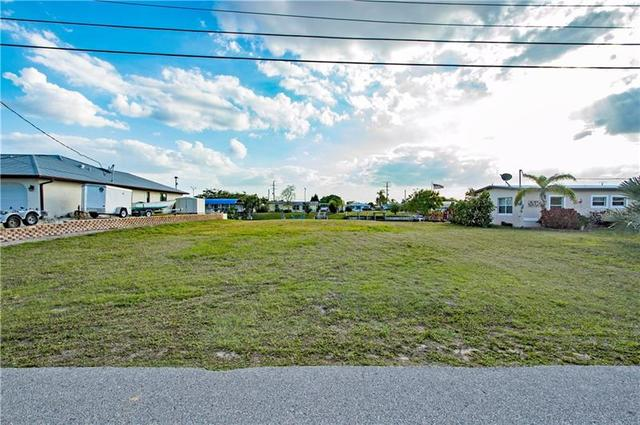 114 Dowling Avenue Northeast Port Charlotte, FL 33952