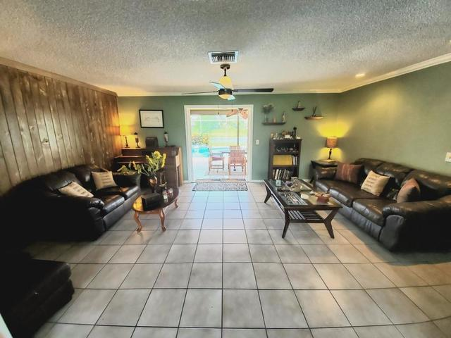 863 Whippoorwill Terrace West Palm Beach, FL 33411