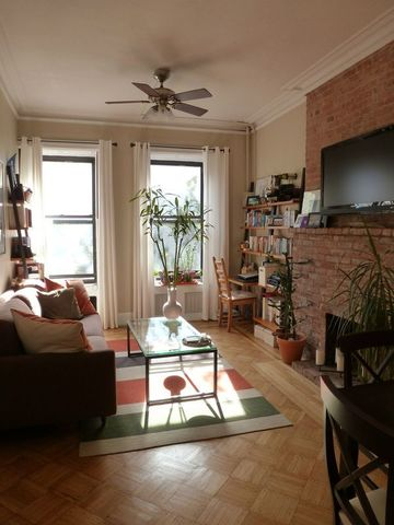 133 West 75th Street, Unit 3A Image #1