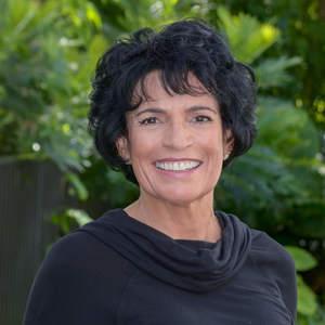 Fahada Saad,                     Agent in Miami - Compass