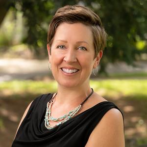 Headshot of Alison McDowell