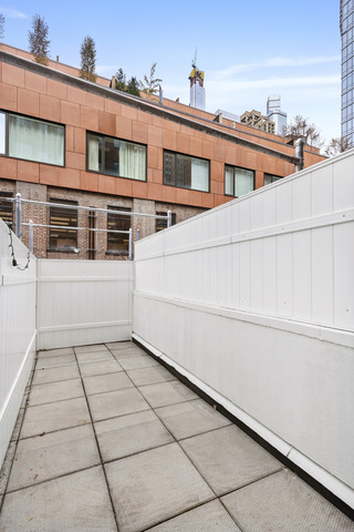 325 West 51st Street, Unit 1C Manhattan, NY 10019
