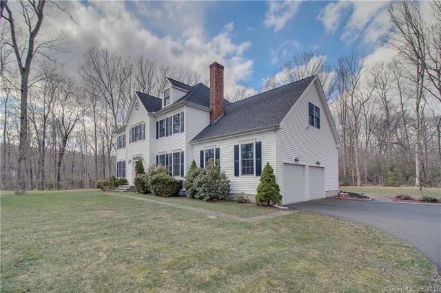 14 Reservoir Road Clinton, CT 06413