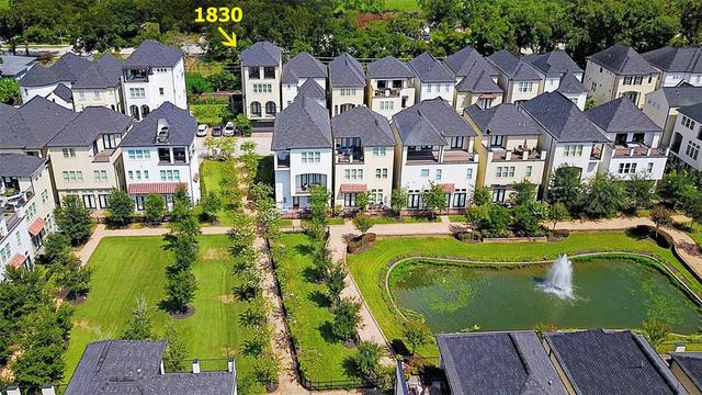 1830 Wrenwood Lakes Drive Houston, TX 77043
