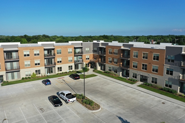 2515 Watermark Terrace, Unit 305 Elgin, IL 60124