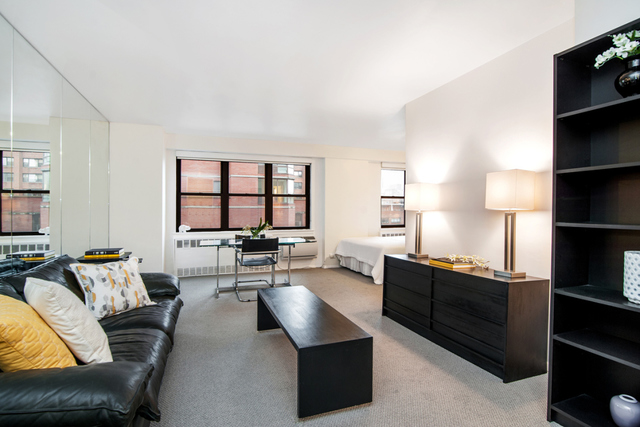 301 East 63rd Street, Unit 8A Image #1