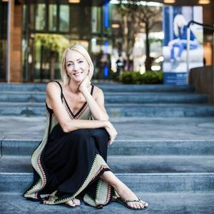 Dana Cataldi,                     Agent in Los Angeles - Compass