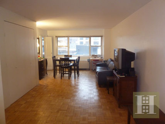 321 East 48th Street, Unit 9A Image #1