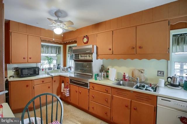 4914 Oley Turnpike Road Reading, PA 19606