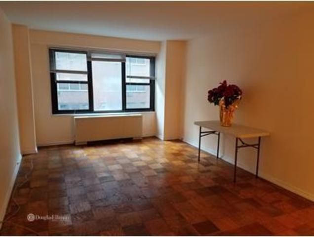 220 East 57th Street, Unit 5A Image #1