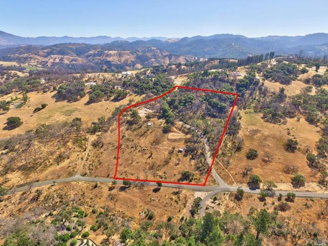 5575 Wild View Way Santa Rosa, CA 95404