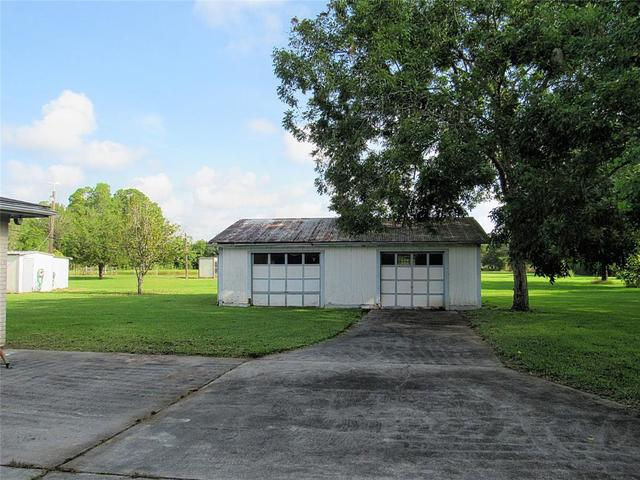 17622 Auction Barn Road Alvin, TX 77511