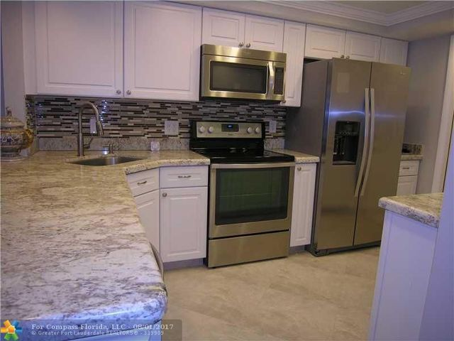 2731 Northeast 14th Street Causeway, Unit 527B Image #1