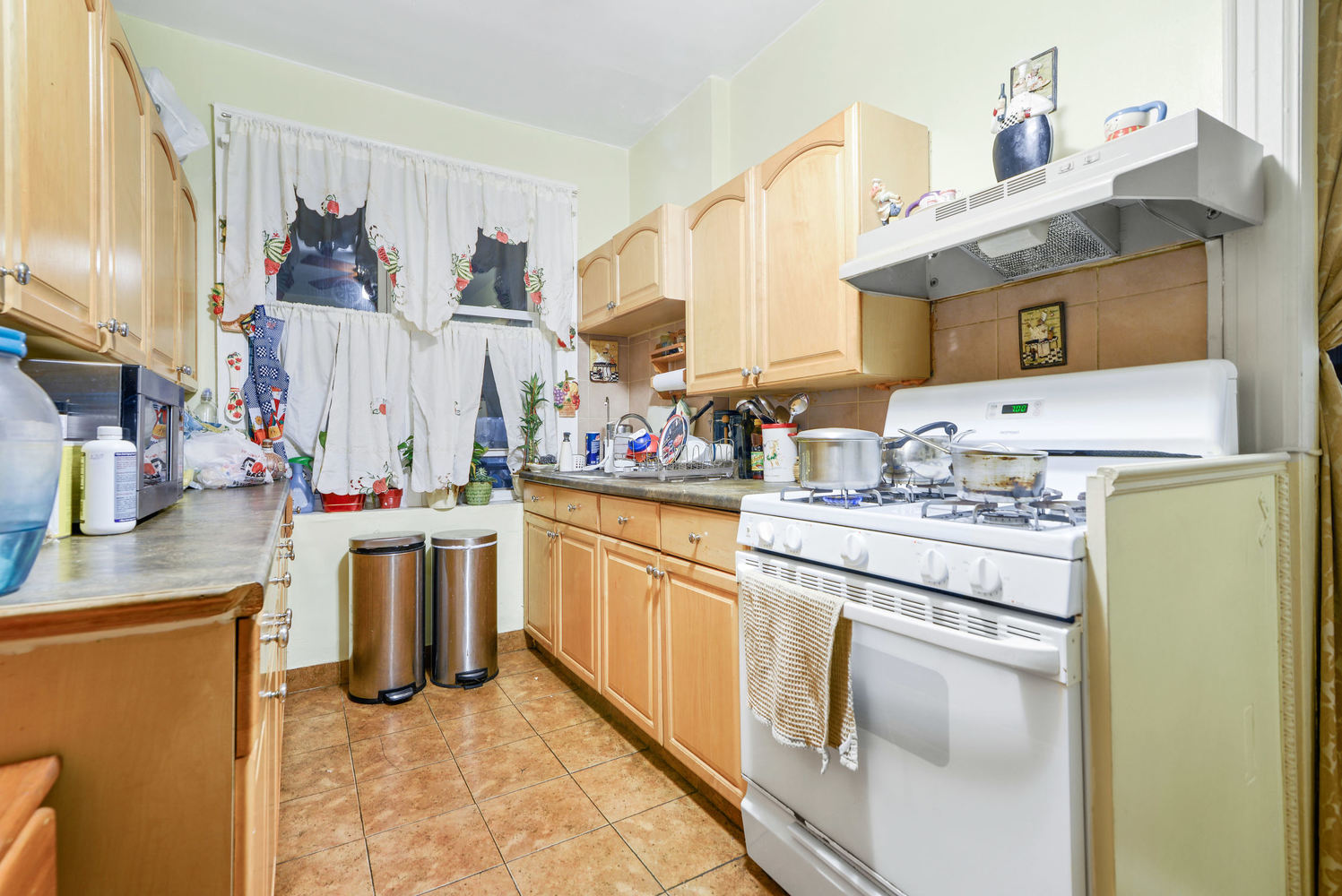 38-28 55th Street, Unit 2 Queens, NY 11377