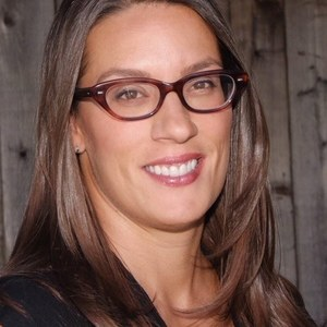 Carla Carvalho,                     Agent in San Francisco - Compass