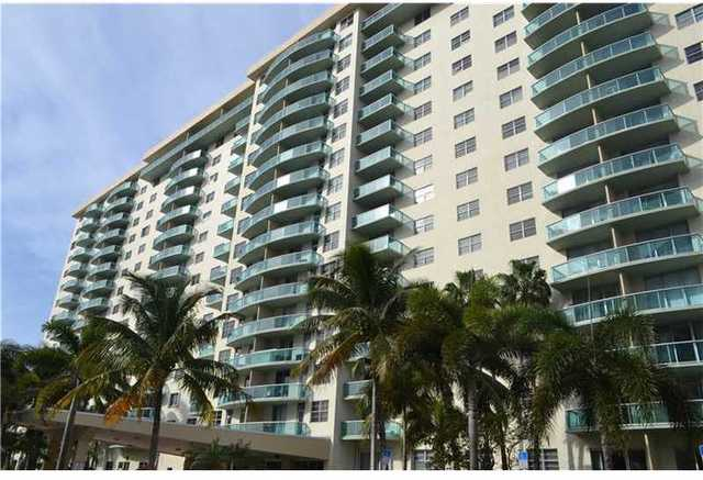 19390 Collins Avenue, Unit 203 Image #1