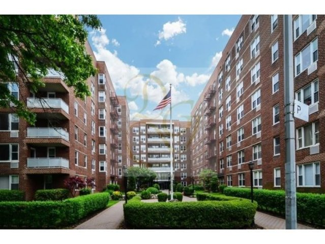 9201 Shore Road, Unit A302 Image #1