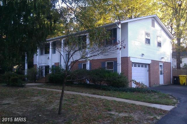 321 White Plains Court Image #1
