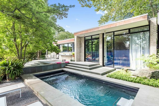 64 Cooper Lane East Hampton, NY 11937