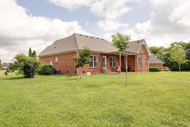 1404 Triple Crown Court Columbia, TN 38401